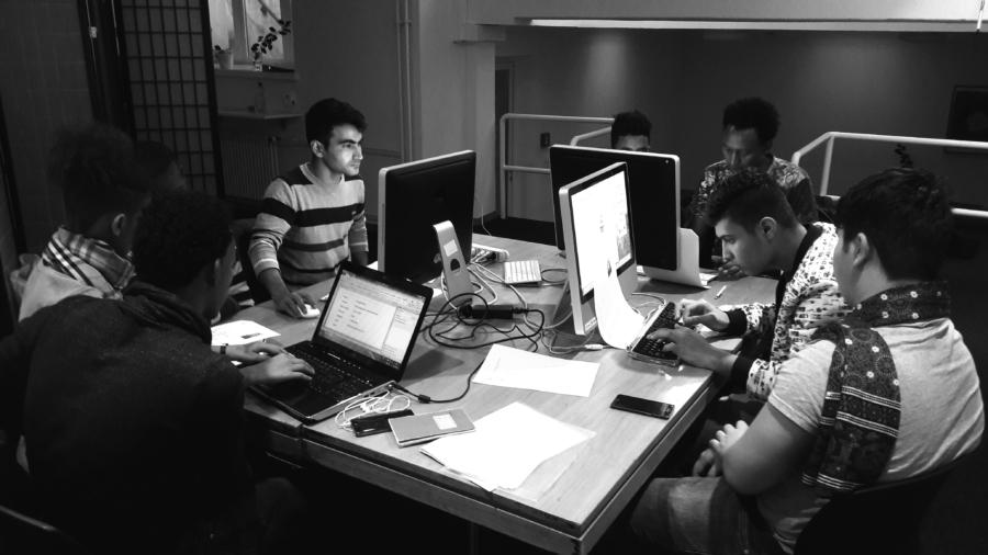 Computerunterricht für geflüchtete Jugendliche, die sonst keinen Anspruch auf Bildung hätten.